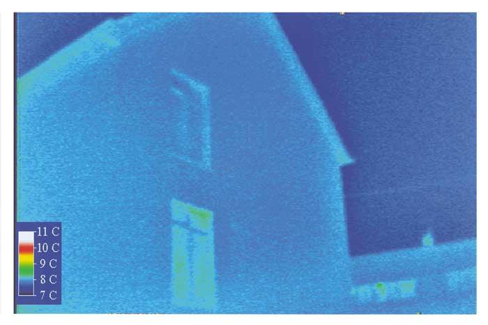 thermal image showing ecotek house with no cold bridges